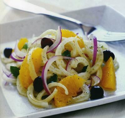 <strong>Insalata di arance</strong>. Questa ricetta, tipicamente Siciliana, è particolarmente saporita, delicata e gustosa