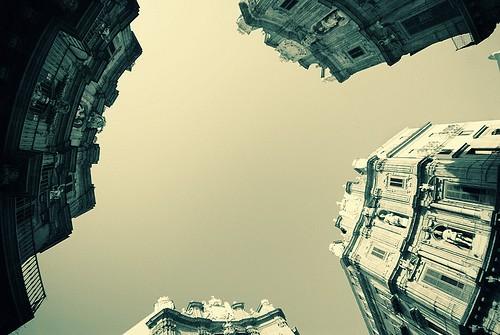<strong>Politica</strong>. Secondo voi, perchè la Sicilia è sull'orlo della bancarotta?