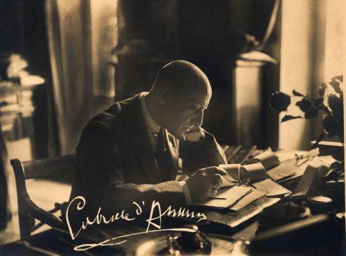 <strong>Gabriele D'Annunzio</strong>: un uomo, un letterato, un mito