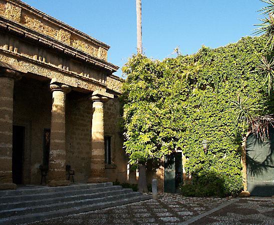 """<strong>Menfi</strong>. """"La bellezza e la rovina. Poeti a Menfi"""", la Sicilia raccontata da versi e note. Ospite d'onore Giovanni Sollima"""