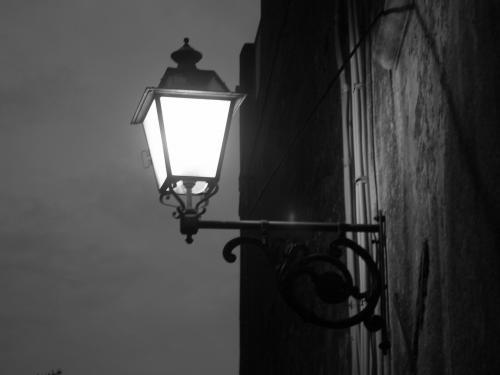 """<strong>Operazione """"Cieli bui""""</strong>: Meno illuminazione pubblica per risparmiare"""