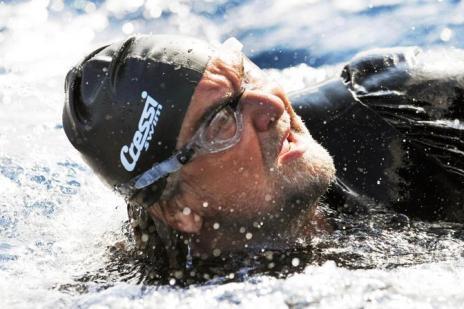 <strong>Il Grillo</strong> con le pinne sbarca in Sicilia a nuoto