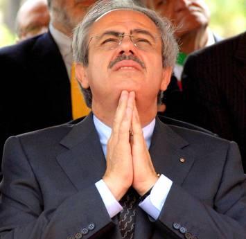 <strong>Cas.. che Spending REWIEW in Sicilia</strong>. Non bastano 1600 dirigenti a libro paga della Regione