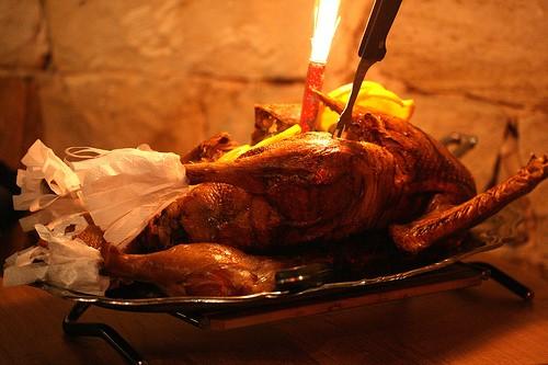 <strong>Le ricette della festa</strong>. L'oca di San Martino con mele, castagne e gnocchi di pane