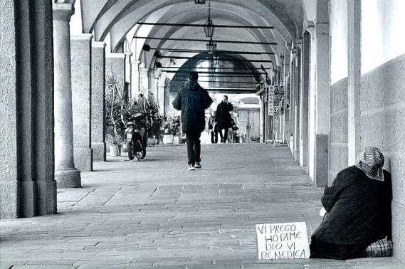 <strong>In Sicilia</strong> 600mila poveri necessitano di cibo