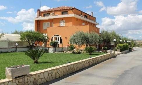 <strong>Ristorante-Pizzeria-Hotel Villa Plasi</strong> a Menfi (Ag)