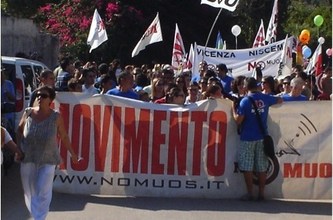 """<strong>Niscemi</strong>. Campagna """"no muos"""""""