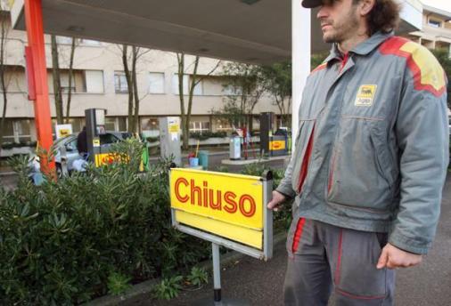 <strong>Sciopero benzinai</strong>, il 12 e i 13 dicembre chiusi