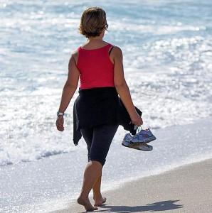 Camminare fa bene alla salute di tutti, ma un nuovo studio ha messo in evidenza come sia benefico in particolare per le donne