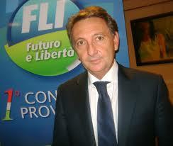 Anche <strong>Luigi Gentile</strong> (ex Fli) nell'orbita Crocetta