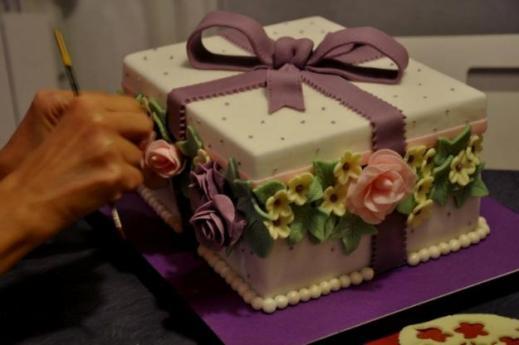 """Corso base di <strong>cake design Artea</strong> """"Romantica dolcezza"""" … nel cuore della Sicilia"""