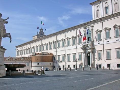 <strong>Governo</strong>: Letta, entro fine settimana al Quirinale, squadra di 18 ministri