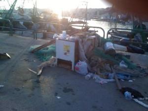 """La Nuova Primavera denuncia: """"degrado e di sporcizia al porto di Sciacca"""""""
