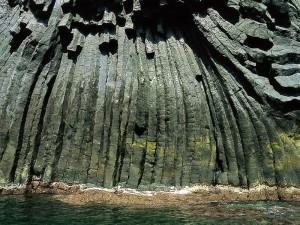 Acireale Grotta Colonne