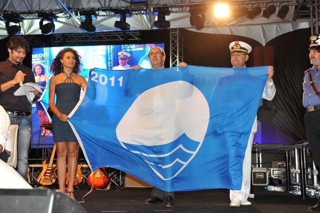 <strong>Bandiere Blu</strong>, Sicilia a quota 4. <strong>Menfi</strong> premiata per la 17esima volta