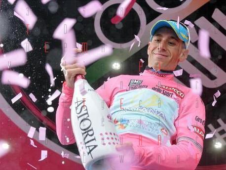 La Sicilia si tinge di rosa. <strong>Vincenzo Nibali</strong> vince il Giro d'Italia