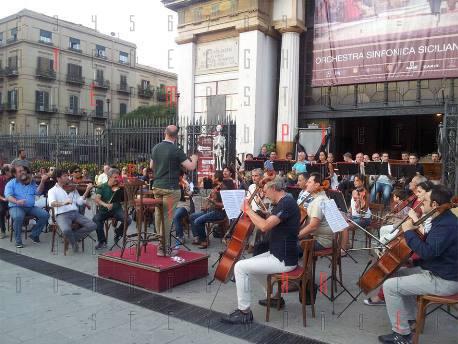<strong>Orchestra Sinfonica Siciliana</strong>. Continua la protesta..