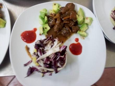 <strong>La ricetta di Monica Cecere</strong>: Cubetti di maiale al tè verde e zenzero