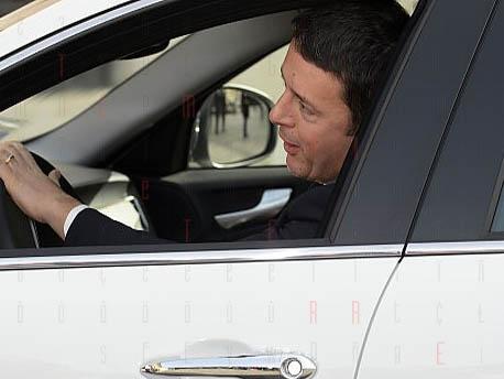 Matteo Renzi al Colle per ricevere l'incarico