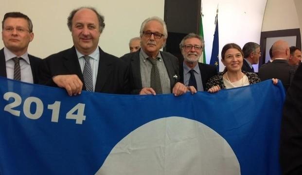 A <strong>Menfi</strong> la diciottesima bandiera blu