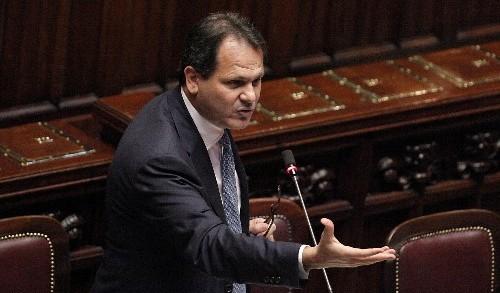 <strong>Ruvolo, Romano e Galati lasciano Forza Italia</strong> e vanno nel gruppo di Verdini