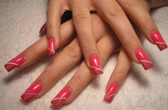 Cosa hanno in comune le etichette ed i gel uv per unghie?