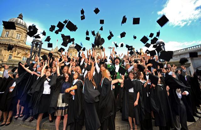 Cosa regalare ad una laurea: idee regalo originali, raffinate e su misura