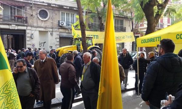 Catania, agricolori in piazza contro l'Ue per difendere i prodotti made in Italy