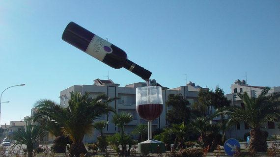 """L'interrogazione del Consigliere Pellegrino: che fine ha fatto la """"Bottiglia di Vino""""?"""