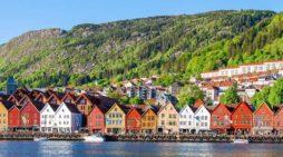 In vacanza non si va solo d'estate: Le quattro mete turistiche da visitare durante l'anno