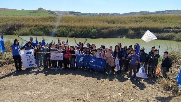 Barriera blocca plastica nel fiume Platani: il progetto Marevivo che salva il mare