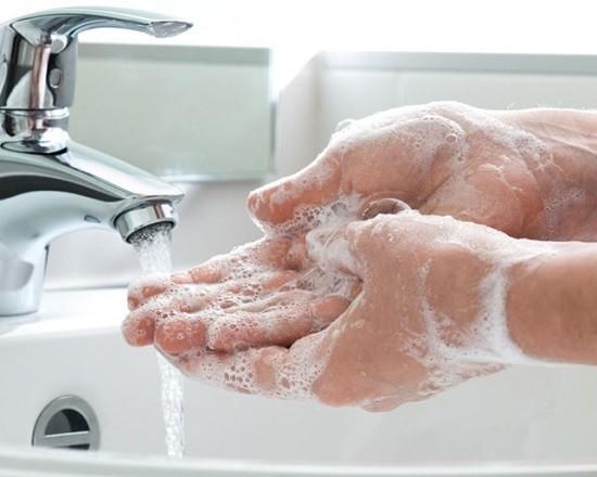 Cura dell'igiene negli oggetti di tutti i giorni, in particolare quelli elettronici