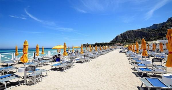 Coronavirus, in Sicilia stop all'apertura della stagione balneare
