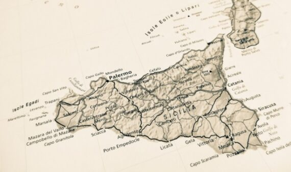 """Coronavirus, Sicilia """"zona gialla"""" dal 29 novembre"""