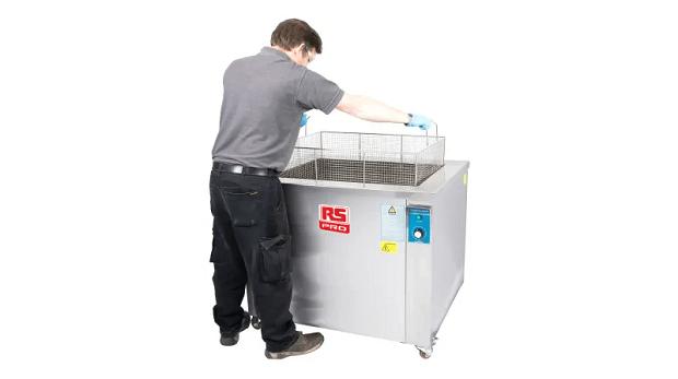 Pulizia professionale: cos'è e come funziona la lavatrice ad ultrasuoni
